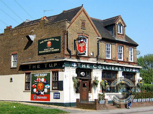 Colliers Wood Pub