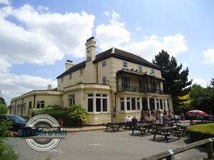 Snaresbrook-pub